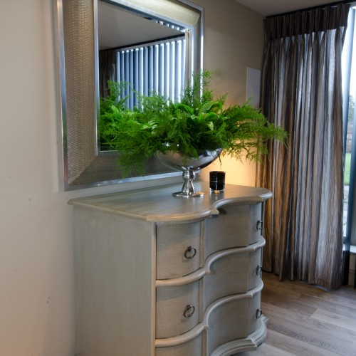 Bespoke draws with mirror