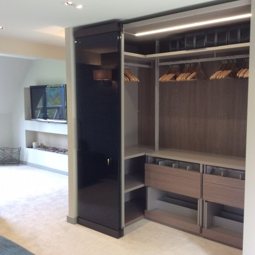 Camerino bespoke wardrobe interior design